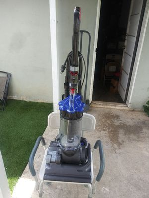 Brand new Dyson dc33 vacuum for Sale in Moreno Valley, CA