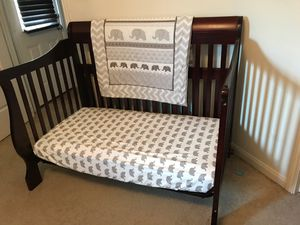 Crib (baby) for Sale in Houston, TX