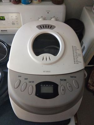 Bread maker for Sale in Eustis, FL