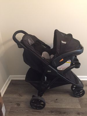 Chicco Viaro Travel System for Sale in Charlotte, NC