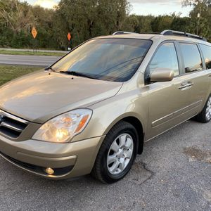 2007 Kia Entourage Limited for Sale in Mount Dora, FL
