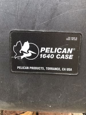 Pelican 1640 rolling case for Sale in Los Angeles, CA