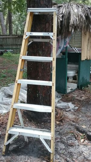 Werner fiberglass step ladders 6-8ft for Sale in Brooksville, FL