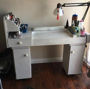 Manicure table for Sale in Los Angeles, CA