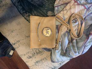 Micheal kors women's bag for Sale in Phoenix, AZ