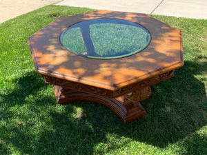 Big coffee table. for Sale in Palmdale, CA