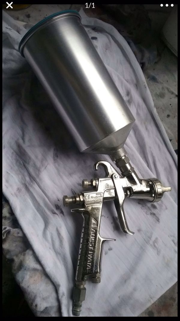 Anest Iwata Paint Spray Gun w/ canister