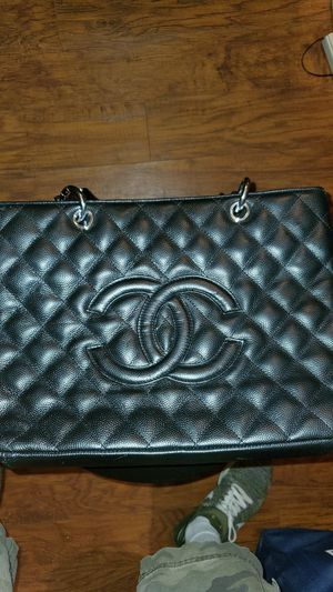 Real Chanel genuine leather tote bag. for Sale in Tampa, FL