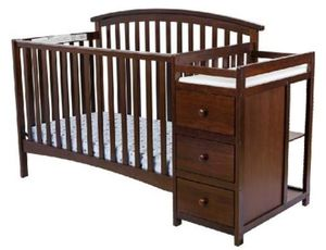 Convertible Crib with Changing table for Sale in Nashville, TN