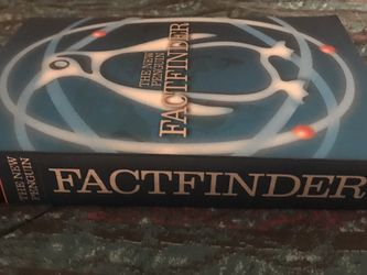 The New Penguin Factfinder David Crystal ISBN-10: 0141011092 ISBN-13: 978-0141011097 for Sale in Franklin Park,  IL