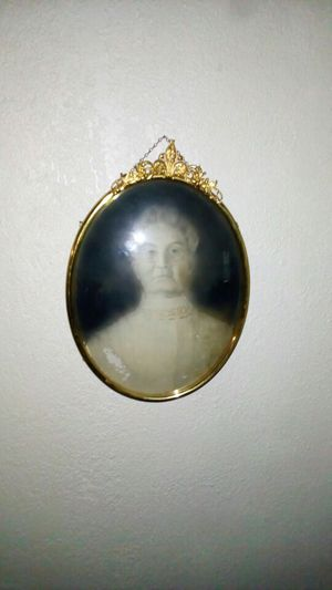 Antique Bubble Frame and Photo for Sale in Orlando, FL