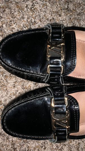 Size 7 Women Louis Vuitton loafers for Sale in Missouri City, TX