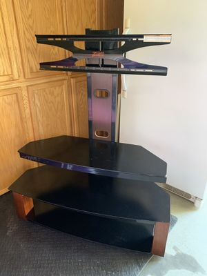 TV Stand in Perfect Condition! Includes Adjustable TV Mount! for Sale in Lincoln, CA