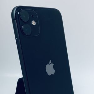 iPhone 11 64 GB Unlocked To Any Carrier Finance For $50 Down for Sale in Dallas, TX