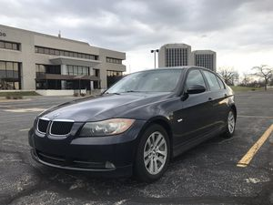 2006 BMW 3 SERIES MANUAL CLEAR TITLE for Sale in Dearborn, MI