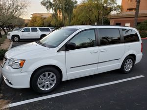 2015 Chrysler Town & Country Touring Minivan for Sale in Seattle, WA