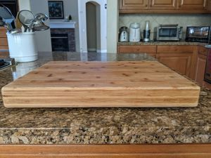 "Bamboo cutting board, 17 1/2"" x 13 1/2"" x 2 1/4"" for Sale in Livermore, CA"