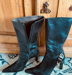 Antonio Melani all leather and croco embossed leather Boots. Glove fit, luxury black leather boots. Size 9. Gently used for Sale in Boulder City,  NV