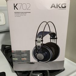 Headphones  for Sale in Stickney, IL