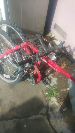 "Folding fuji 26"" mountain bike for Sale in Fresno, CA"