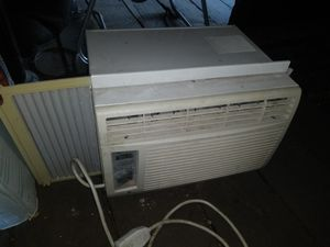 Air conditioner. for Sale in Detroit, MI