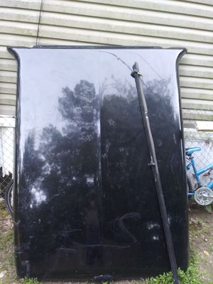 Silverado bed cover for Sale in Rockmart, GA