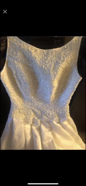 White wedding dress for Sale in Jan Phyl Village, FL