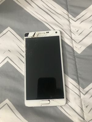 Samsung phone screen damaaged for Sale in New York, NY