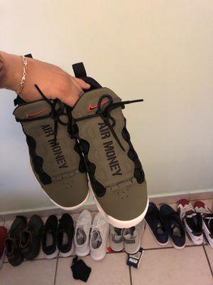 Nike AirMoneys size 8 for Sale in Miami, FL