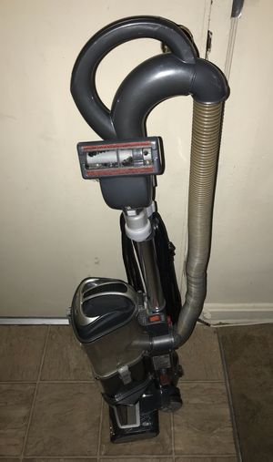 Vacuum shark in excellent condition for Sale in Hyattsville, MD