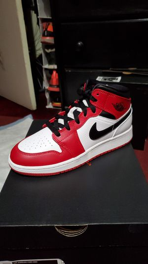 Jordan 1 Mid Chicago 2020 for Sale in El Monte, CA