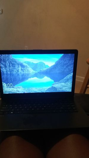Good HP lap top lots of space never used for Sale in Fort Worth, TX