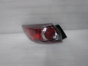 2010 2013 mazda 3 tail light for Sale in Los Angeles, CA