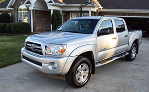 Reduced Price 2005 Toyota Tacoma 4WDWheels Excellent for Sale in Pompano Beach, FL