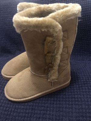 Boots for girl. for Sale in Pharr, TX
