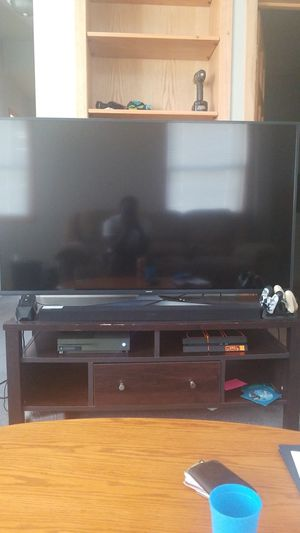 60 inch 4k Tv with Soundbar $450, great condition, Barely used, Great for UHD and blue-ray movies, Smart Tv. Great Sound performance as well. for Sale in Eau Claire, WI