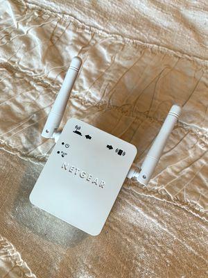 Netgear Universal Wifi Range Extender Model WN3000RPv2 for Sale in El Cajon, CA