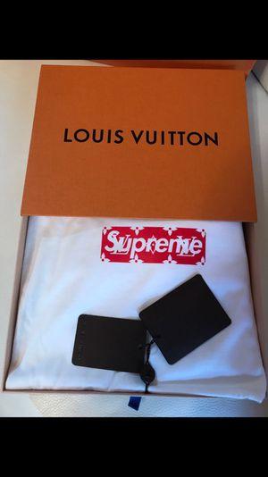 Supreme x Louis Vuitton bogo tee. for Sale in Miami, FL