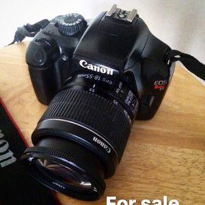 Canon T3 with LenSe for Sale in Atlanta, GA
