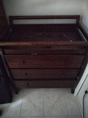 changing table w / dresser for Sale in Phoenix, AZ