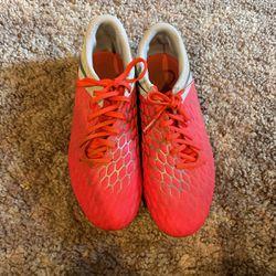 Nike Hypervenom Soccer Cleats Size 10.5 for Sale in Fife,  WA