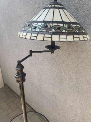 Tiffany style lamp with small table attached. Antique lamp stained glass for Sale in Long Beach, CA