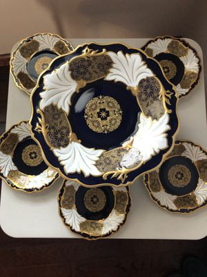 Cake holder with 5 serving plates for Sale in Queens, NY