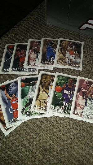 11 basketball hoops cards for Sale in Chula Vista, CA