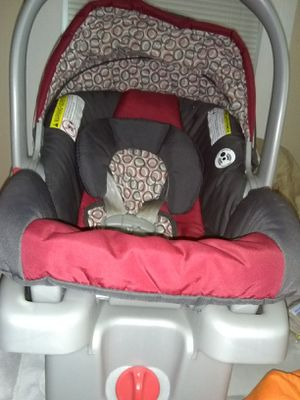 Graco car seat for Sale in Chicopee, MA