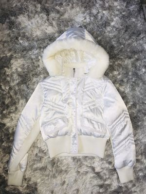 New, without tag, white winter coat with real fur trim. for Sale in Happy Valley, OR