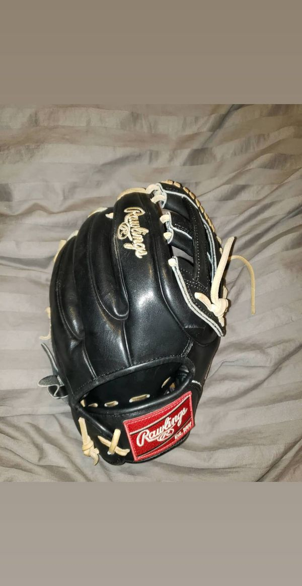 Rawlings Heart of the Hide 11.5inch Glove