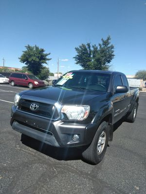 2012 toyota tacoma 4x4 🎷 starting at $999 down payment 🎷 easy financing 🎷 aqui su amigo jesus les ayuda for Sale in Glendale, AZ