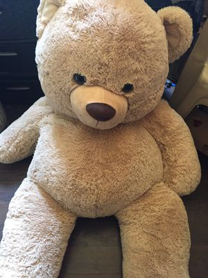 Big stuffed bear for Sale in Pickens, SC