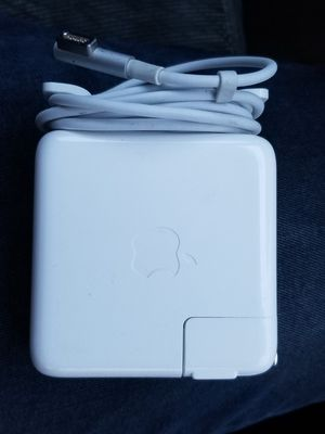 MacBook Pro Charger 2008 - 2012 (60w, Magsafe 1) for Sale in Chevy Chase, MD